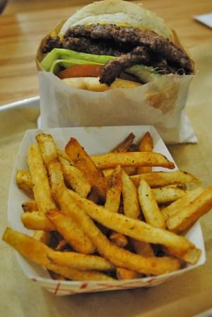 burger008