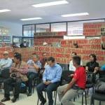Maestros se manifiestan contra la armonización de la Ley de Educación en BCS