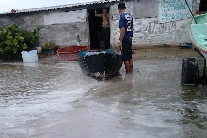 puerto san carlos huracan norbert 2