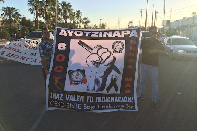 marcha ayotzinapa la paz 1