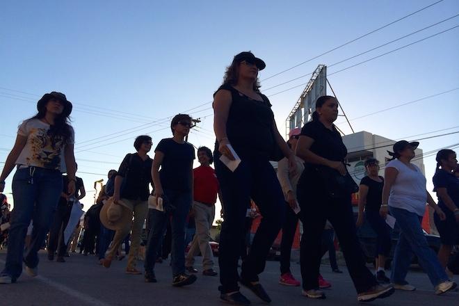 marcha ayotzinapa la paz 4