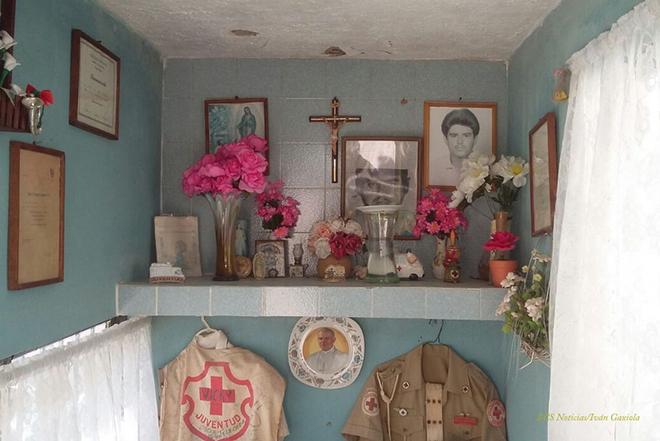 Cruz Roja panteon tumba homenaje 4