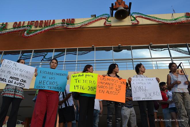manifestacion tejero palacio de gobierno 3