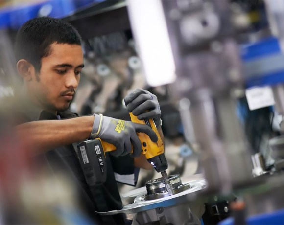 ZF Services Nottingham Off-Highway centre increases capacity through workshop expansion and engineer recruitment