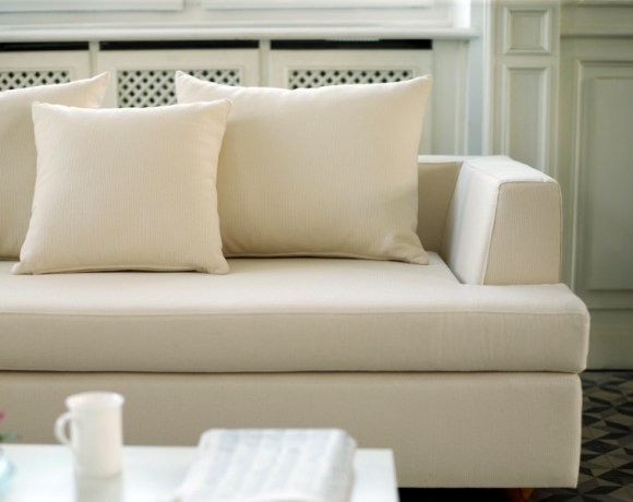 This is because it is believed the leather sofa gives your room a more regal look. Also, the leather sofas are quite classic that help enhance the look of your house. Leather sofas are a great addition to your living room area owing to its classic look.