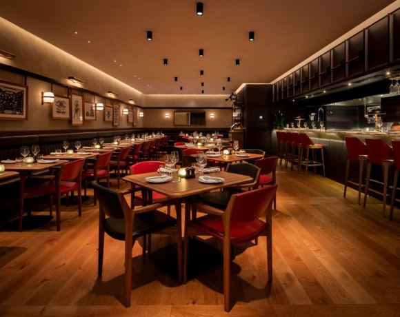 THE INTERIOR architecture and design studio behind the new Gridiron restaurant within COMO Metropolitan London Hotel in Old Park Lane, Mayfair has been revealed as Nottingham-based Macaulay Sinclair.
