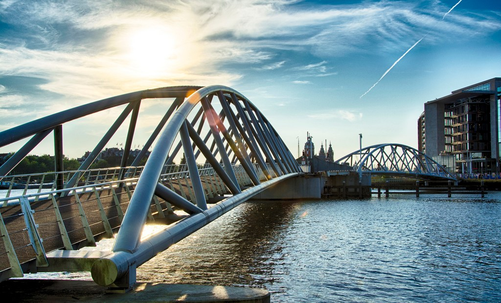 Not all bridges are built equal, it must be said. Some just get you from one point to another. How boring, especially when you consider that some bridges out there can curl up on themselves to let boats pass, or even breathe fire!