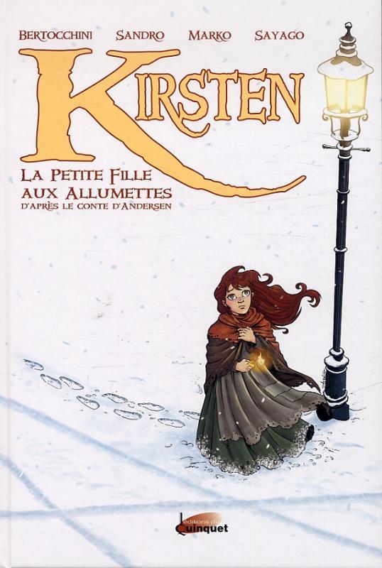 une petite fille près d'un lampadaire dans la neige et le froid