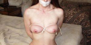 Jeune femme timide pour relation BDSM