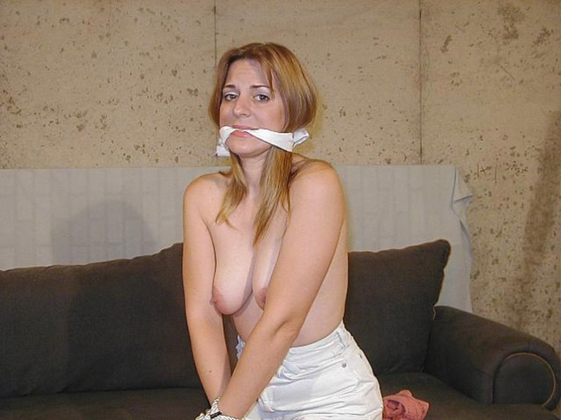 Sexy Girlfriend Tied Up, Cleave Gagged and Blindfolded for Punishment