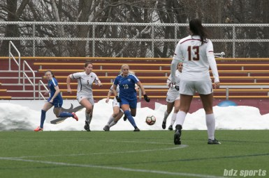 Breakers Adriana Leon with the ball