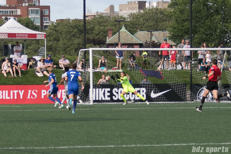 North Carolina Courage goalkeeper Katelyn Rowland (0) makes a save in front of the goal.