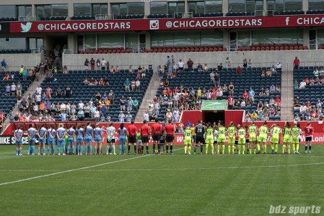The Chicago Red Stars and Seattle Reign FC starting lines.