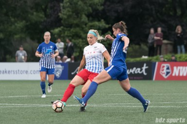 Chicago Red Stars defender Julie Ertz (8) passes the ball.