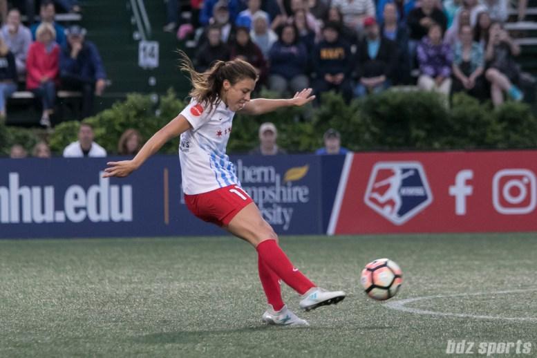 Chicago Red Stars forward Sofia Huerta (11) takes a shot on goal.
