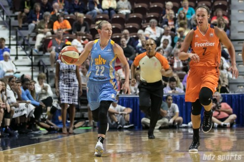 Chicago Sky guard Courtney Vandersloot (22) brings the ball up the court.