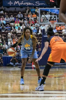 Chicago Sky guard Cappie Pondexter (23) dribbles the ball.