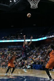 Washington Mystics forward Elena Delle Donne (11) takes a shot.