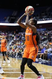 Connecticut Sun guard Courtney Williams (10) prepares to take a jump shot