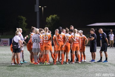 The Houston Dash huddle at the end of the game