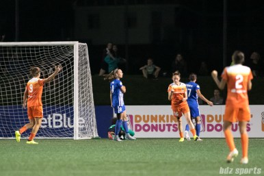 Houston Dash forward Janine Beckie (16) gives a fist pump after scoring the go ahead goal for the Dash.