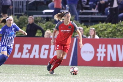 Portland Thorns FC defender Katherine Reynolds (2) controls the ball for the Thorns
