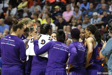 The Phoenix Mercury huddle prior to the start of the second half