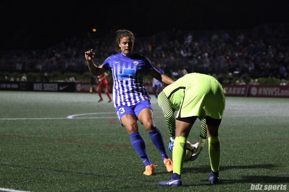 Boston Breakers forward Katie Stengel (23) forces Portland Thorns FC goalkeeper Adrianna Franch (24) to pick up the ball as the Thorns look to use time up at the end of the game