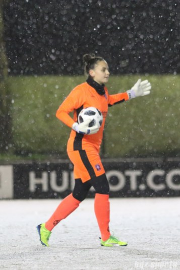 FC Twente goalie Nicky Evrard (1)