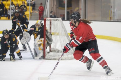 Metropolitan Riveters defender Courtnery Burke (6)