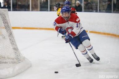 Montreal Les Canadiennes defender Melanie Desrochers (17)
