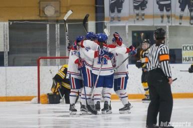 The Montreal Les Canadiennes celebrate forward Sarah Lefort's (16) goal