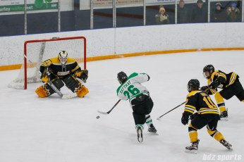 Markham Thunder forward Jamie Lee Rattray (26) takes a shot on goal