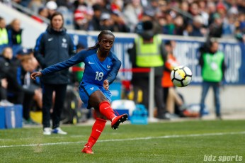 Team France forward Viviane Asseyi (18)
