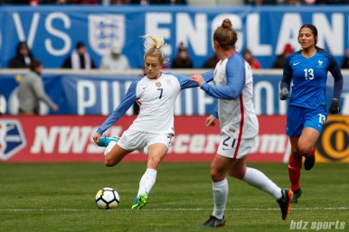 Team USA defender Abby Dahlkemper (7) sends in the ball