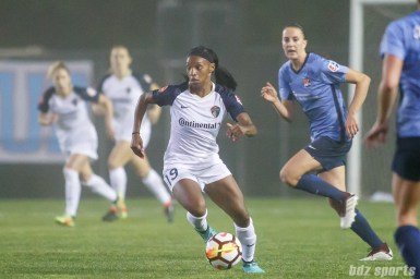 North Carolina Courage forward Crystal Dunn (19)