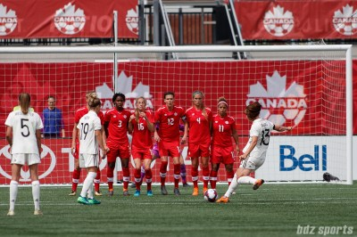 Team Germany midfielder Sara Dabritz (13) takes a free kick