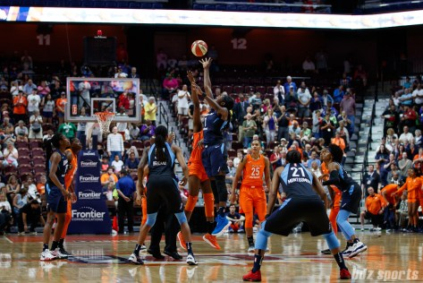 Connecticut Sun forward Chiney Ogwumike (13) and Atlanta Dream center Elizabeth Williams (1)