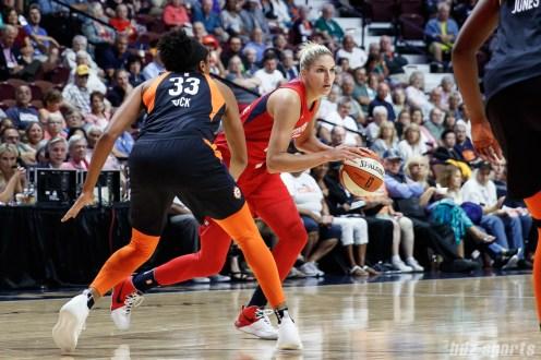 Washington Mystics forward Elena Delle Donne (11)