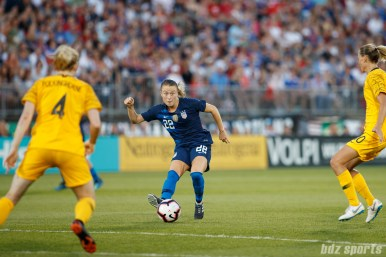 Team USA defender Emily Sonnett (22)