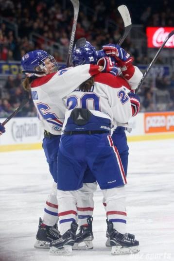 Montreal Les Canadiennes goal celebration