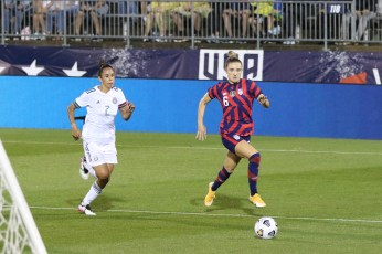 USWNT midfielder Kristie Mewis (6) goes to the endline in the first of two 2021 WNT Send-Off Series games between the USWNT and Mexico at Rentschler Field in East Hartford, CT on July 1, 2021.