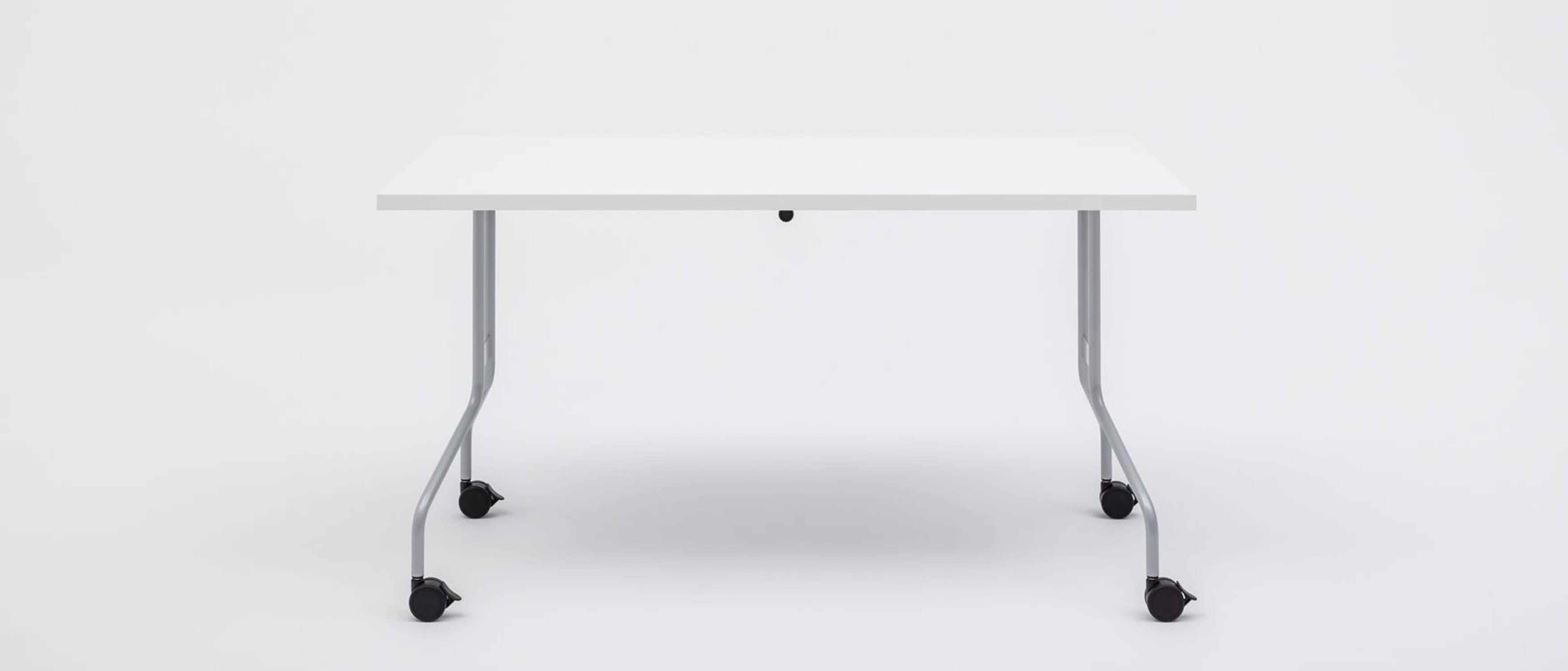 table de reunion modulaire en bois melamine sur roulettes flex