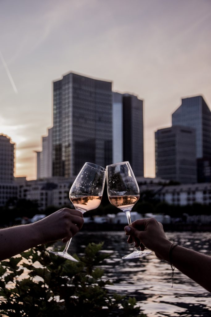 Skyline, Frankfurt, Rosé, nachts, Dämmerung, Wein, Gläser, Rose