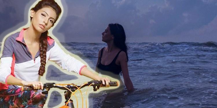 সৈকতে বিকিনি পরা জেসিয়ার ছবিতে অনলাইলে ঝড়