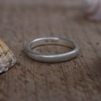 3mm d shaped ring frosted finish