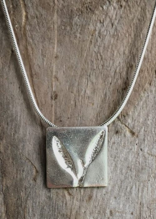 sea oak seaweed square pendant