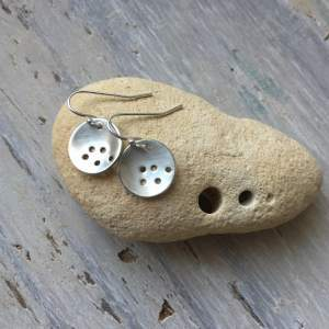 Holes drop earrings