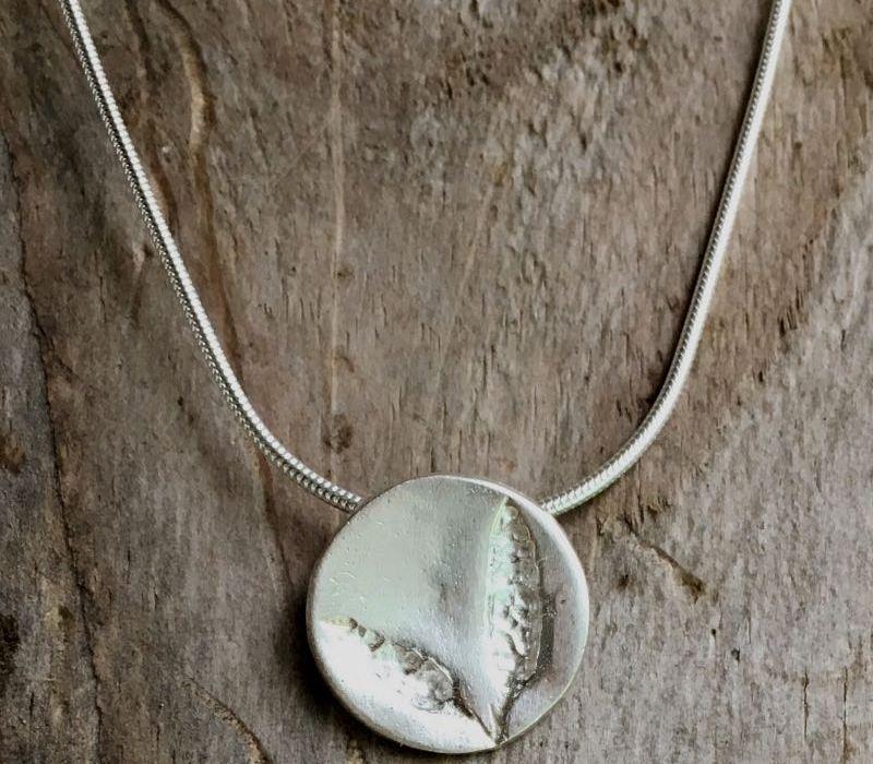 sea oak seaweed pendant