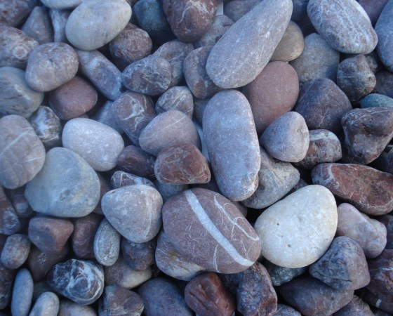 Red pebbles 20-40mm